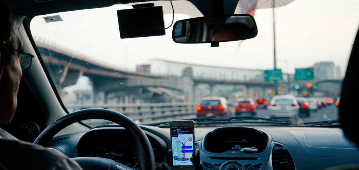 Het gebruik van voice search in de auto